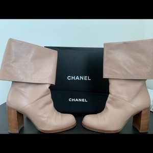 Chanel two-tone fold over beige boots sz35.5 (5.5)